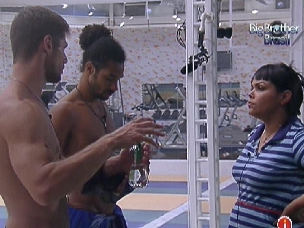 Jonas, Daniel e Analice conversam sobre o futuro (12/1/2012)