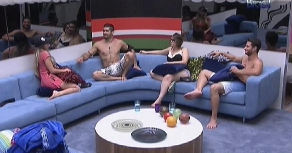 Sem sono, brothers conversam na sala sobre a prova do líder