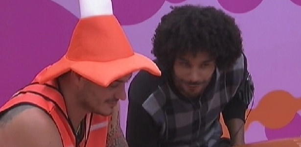Rafa (esq.) e Daniel (dir.) são os recordistas em levarem broncas da produção (14/1/12)