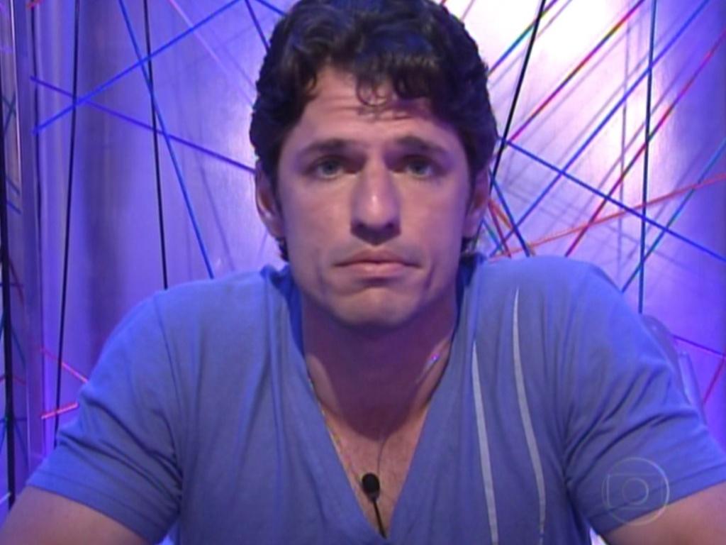 João Maurício vota em Renata (15/1/12)