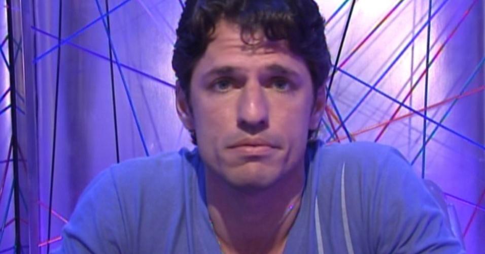 João Maurício vota em Renata(15/01/12)