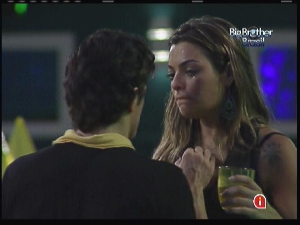 Monique desabafa com João Maurício(14/1/12)