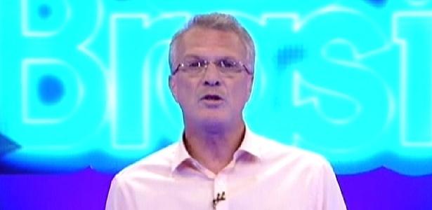 Pedro Bial anuncia eliminação de Daniel em programa ao vivo (16/1/12)