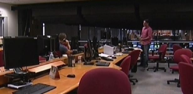 Redação da emissora aparece no ar