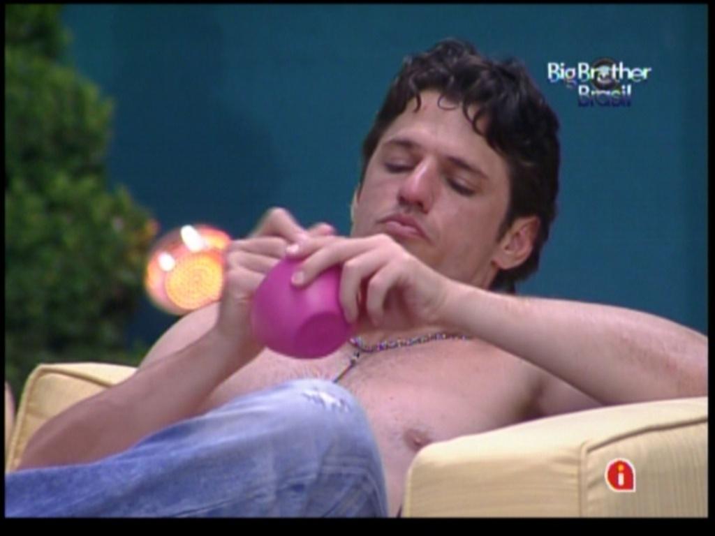 João Maurício desabafa com os brothers (17/1/12)