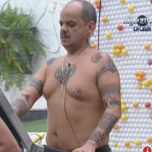 João Carvalho malha na academia (21/1/12)