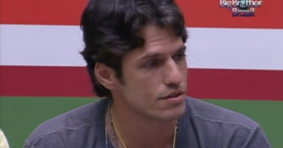 João Maurício decide as outras nove pessoas que vão assistir com ele a peça de Eri Johnson,