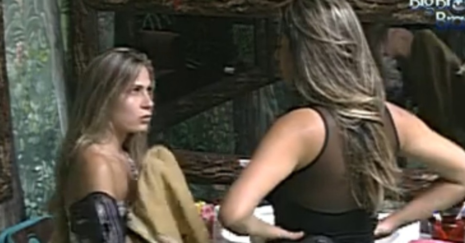 Renata desabafa com Monique após selinho em Jonas (23/1/12)