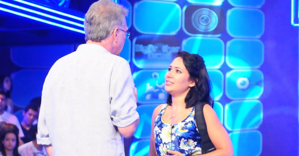 Jakeline, após ser eliminada, conversa com Bial (24/1/12)