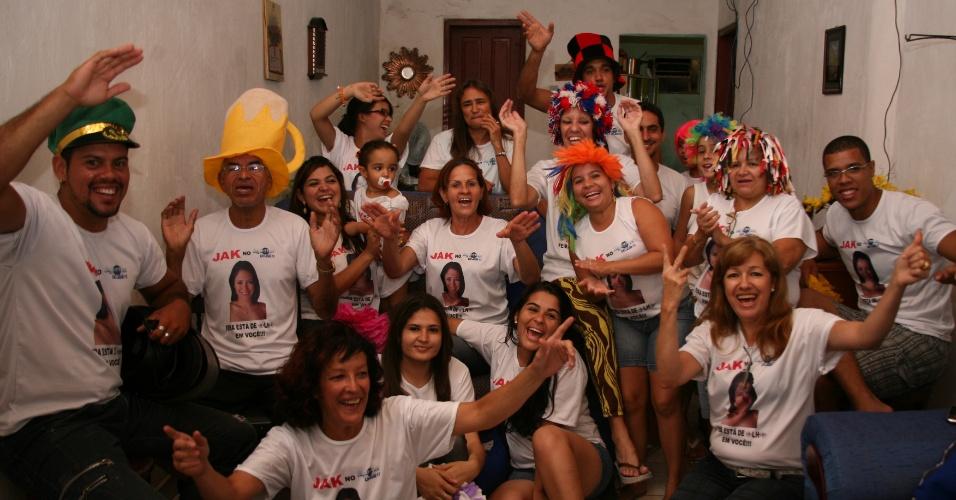 Mãe e amigos de Jakeline assistem o programa em Feira de Santanda (24/1/12)