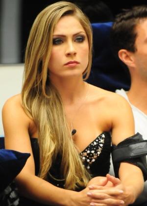 Renata, tensa, durante a eliminação (24/1/12). A mineira venceu Jakeline e permanece na casa