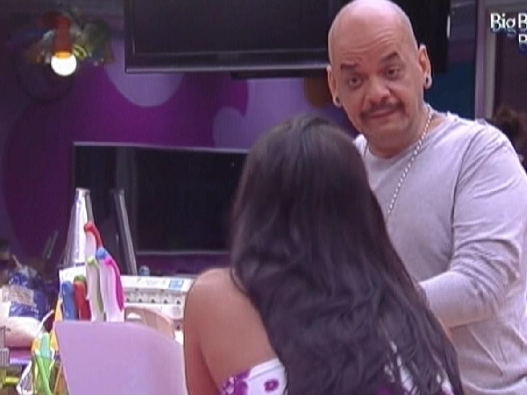 João Carvalho conta a Kelly quando ele teve sua primeira experiência sexual com homens (26/1/12)