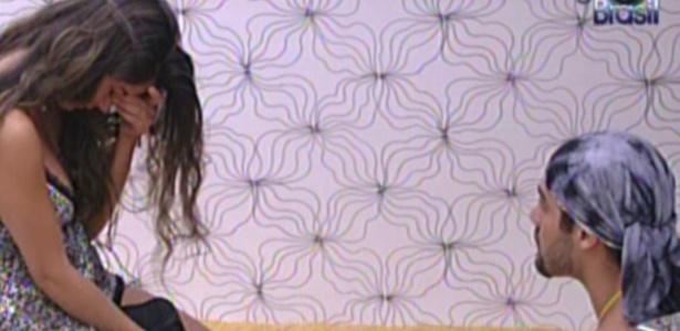 Laisa está cansada de Yuri (28/1/12)