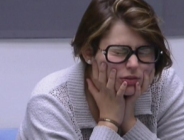 """Emparedada, Mayara diz que sente como se """"tivesse terminado um namoro"""" (30/1/2012)"""