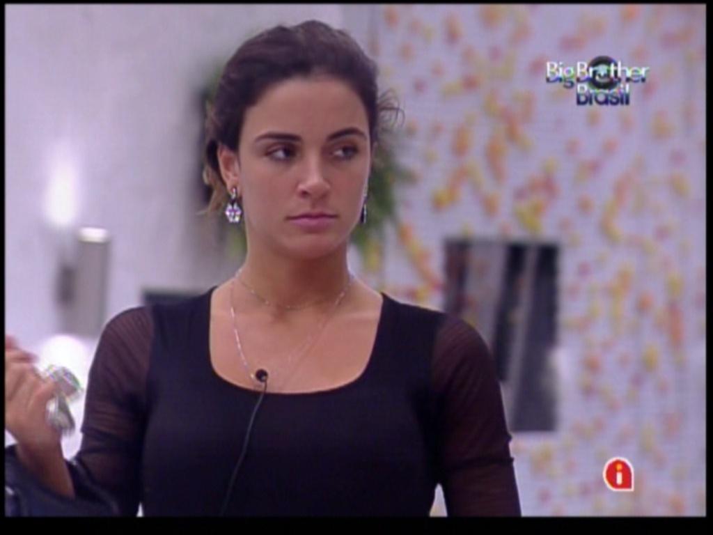 Laisa confessa que torce por Fael (29/1/12)