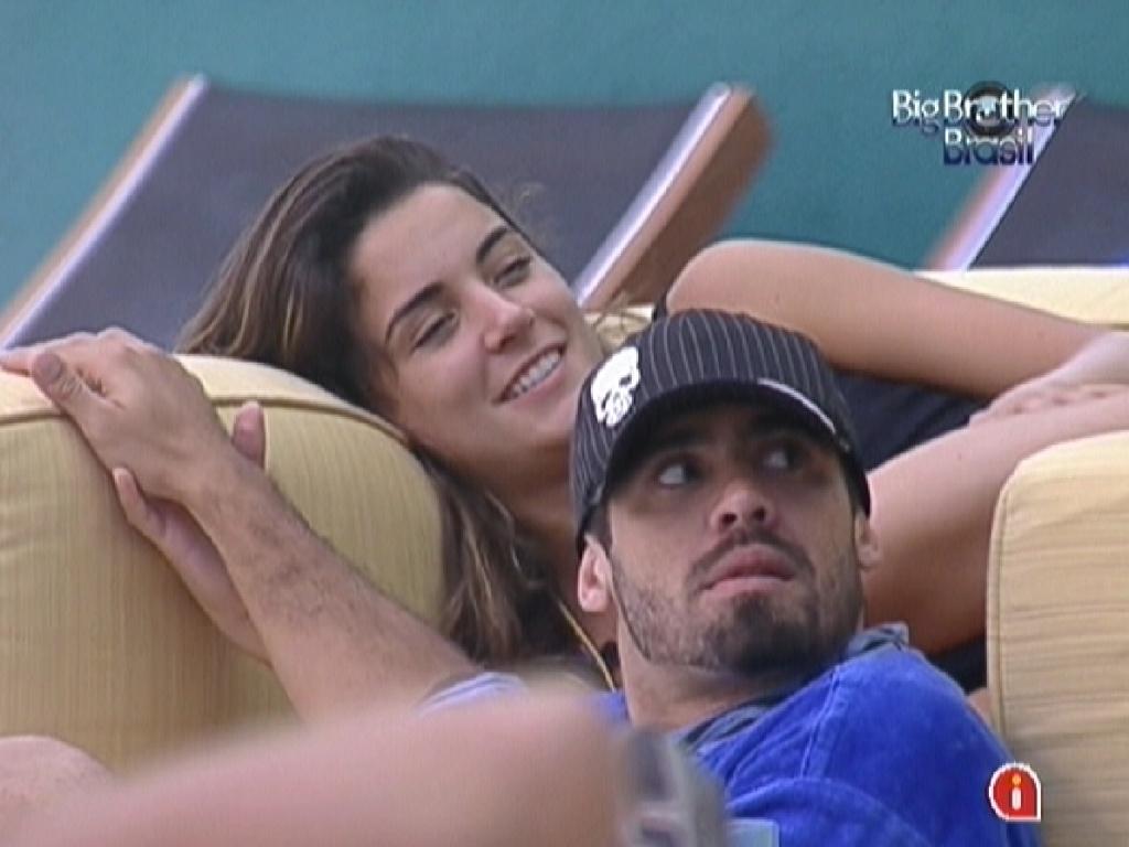 Laisa e Yuri dão risada das brincadeiras de Jonas, João Maurício e Fael (30/1/12)'