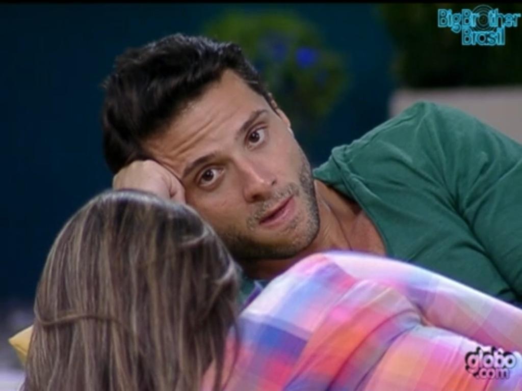 Ronaldo confessa próximos votos para Monique e Renata (29/1/12)