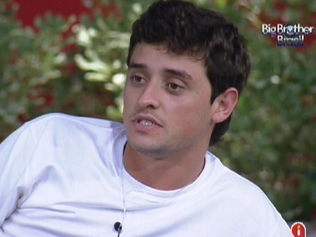 Fael reclama sobre estar na berlinda para Jonas e João Maurício (30/1/12)