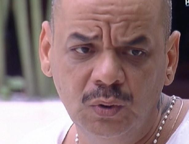 João Carvalho pede conselhos para Mayara sobre poder de veto (31/1/2012)