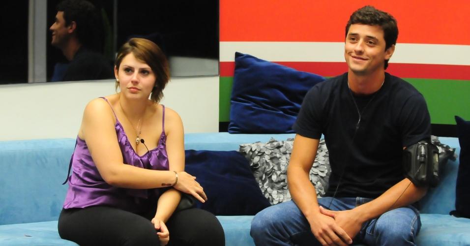 Mayara e Fael disputam o terceiro paredão do reality show (29/1/12)