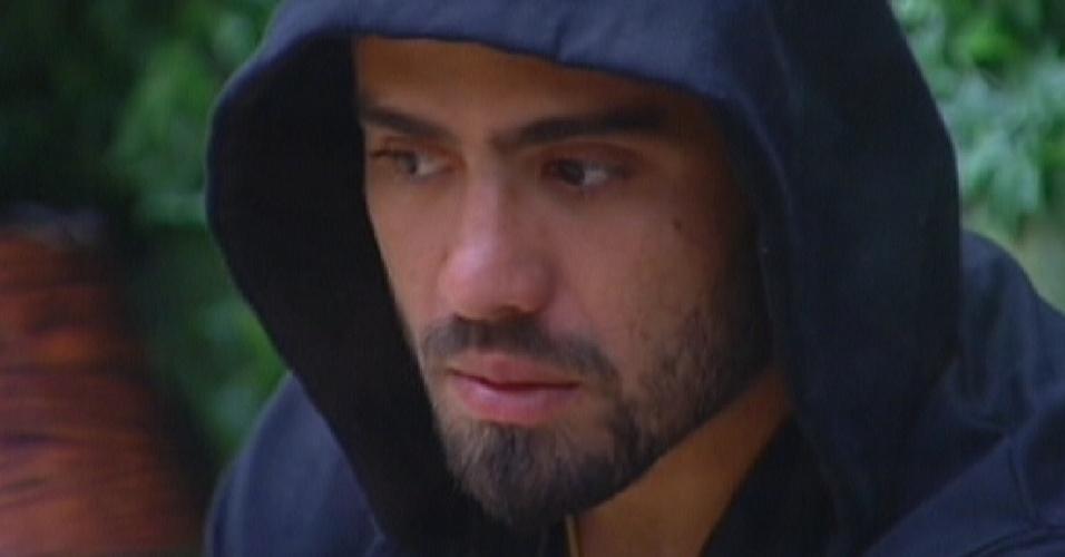 Yuri reclama de Laisa para João Maurício (31/1/2012)