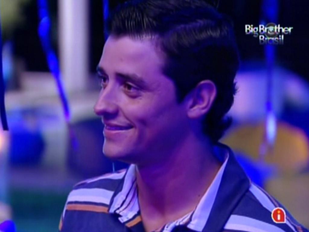 Fael assiste ao show de Luan Santana na Festa Azul (1/2/12)