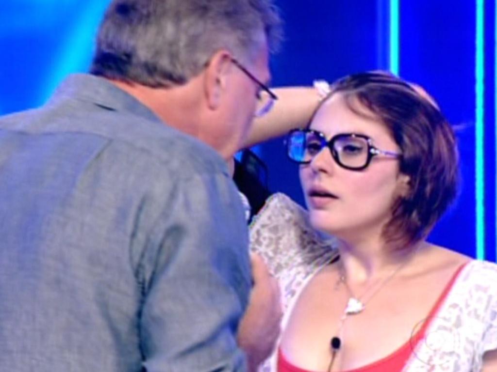 Pedro Bial entrevista Mayara após sister ser eliminada com 74% dos votos (31/1/12)
