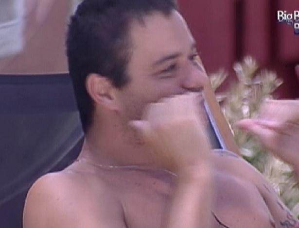 Rafa declara que irá fazer de tudo para que Laisa vá no próximo paredão (2/2/2012)