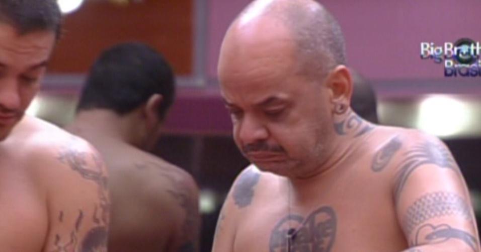 João Carvalho prepara o almoço com ajuda e Rafa (3/2/2012)