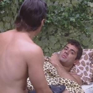 João Maurício e Yuri conversam no quarto Selva (3/2/2012)