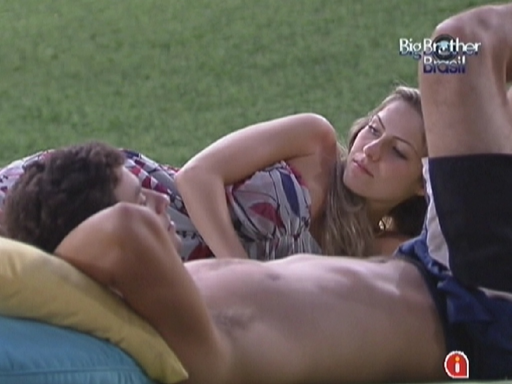 Renata conta para Fael que não quer posar nua ou trabalhar como modelo (6/2/12)