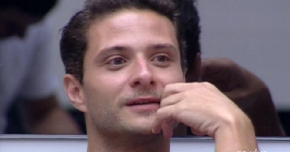Ronaldo diz para Pedro Bial que dormiu bem a noite anterior (6/2/12)