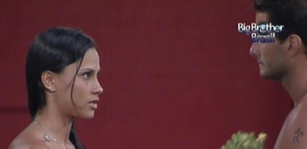 Kelly vai conversar com Ronaldo sobre a discussão de domingo (7/2/12)