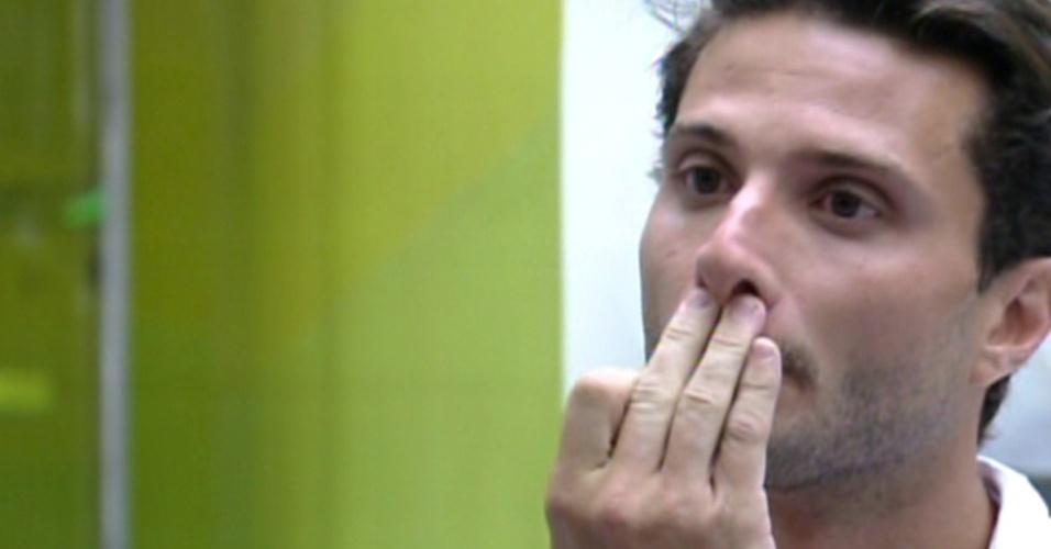 """Ronaldo é eliminado com 81% dos votos no quarto paredão do """"BBB12"""" (7/2/12)"""