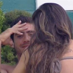 Yuri conta para Laisa que ficou irritado com Kelly por causa da divisão do sorvete (7/2/12)