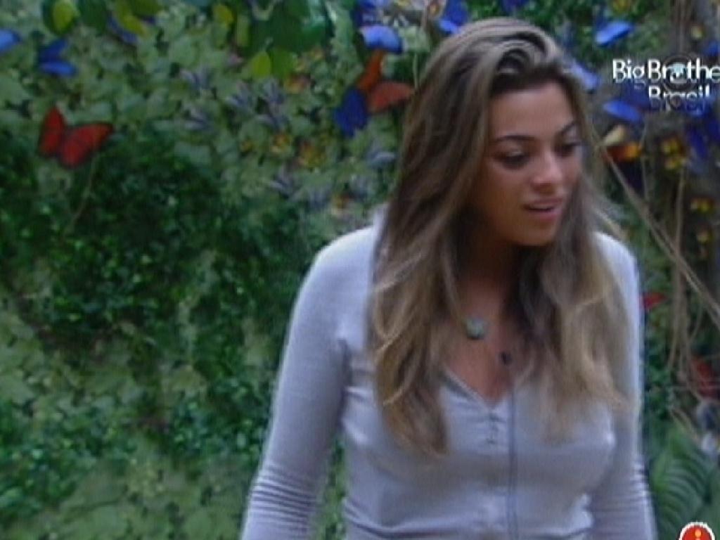 Monique diz para Yuri que está muito decepcionada com Renata (9/2/12)