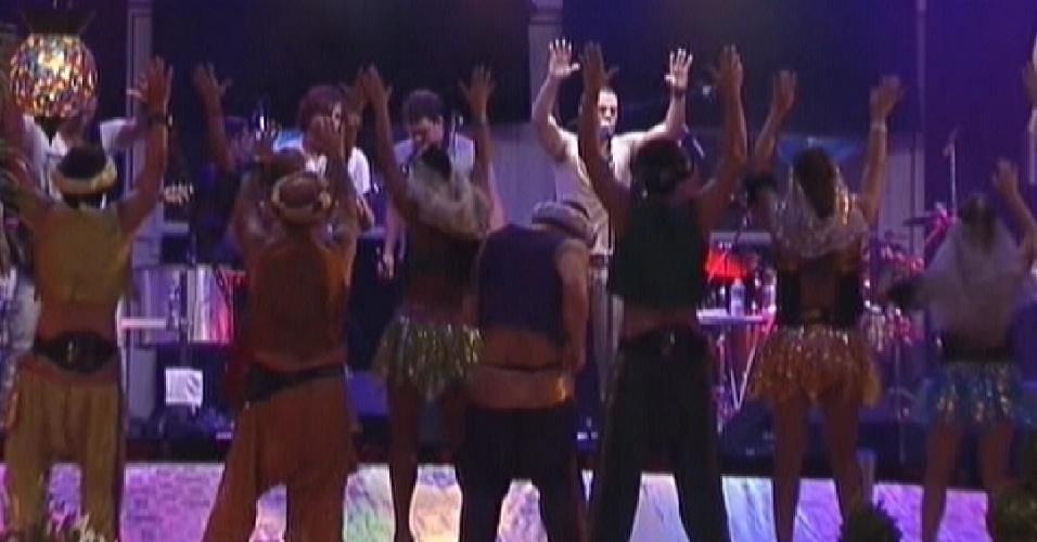 Brothers se divertem com show de Jammil e Uma Noites na Festa Árabe (11/2/12)