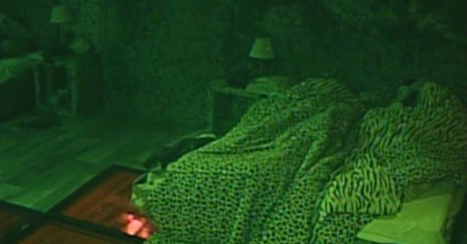Brothers vão dormir, após conversa sobre sexo (10/02/12)