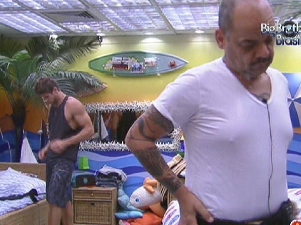 Jonas e João Carvalho se levantam no quarto Praia (11/2/12)