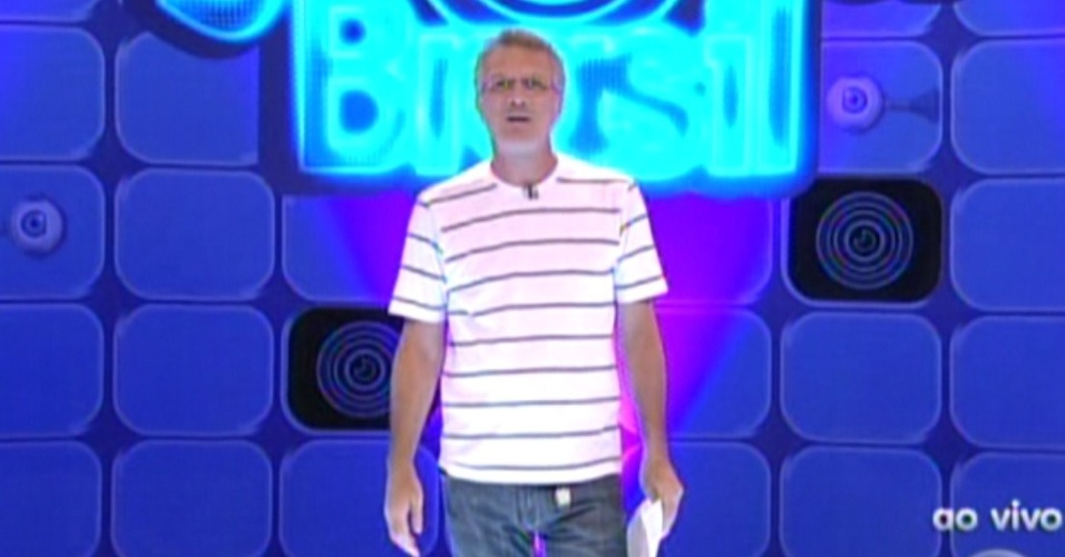 Pedro Bial apresenta o programa deste domingo (12/2/12)