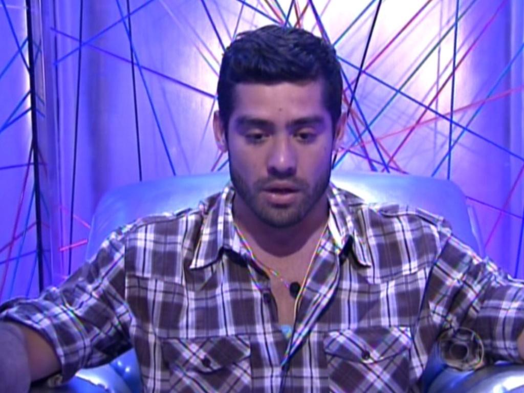 Yuri votou no João Maurício para este quinto paredão (12/2/12)