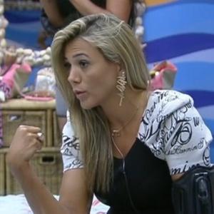 Fabiana conversa com Fael e Kelly no quarto Praia sobre estratégia de jogo (12/2/12)