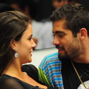"""O casal Yuri e Laisa durante o confinamento no """"BBB12"""" (31/1/12)"""