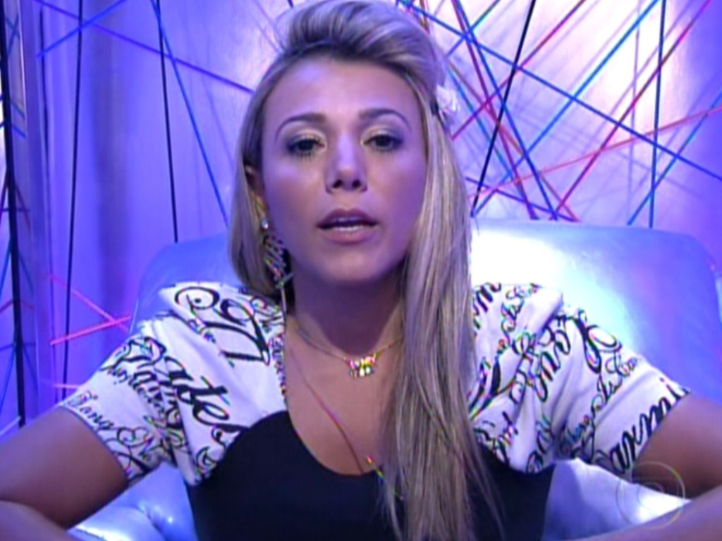 O voto de Fabiana foi em Rafa na noite deste domingo (12/2/12)