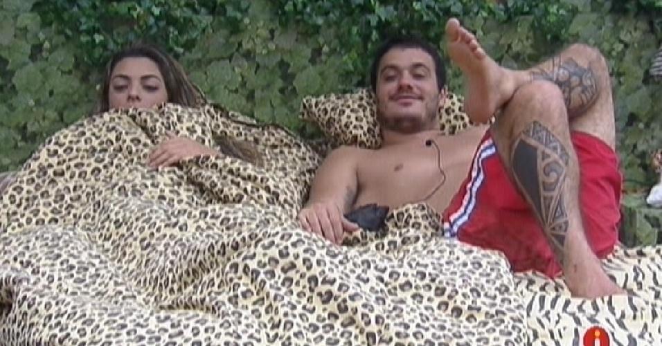 Rafa conta para Monique e Renata o que conversou com João Maurício (12/2/12)