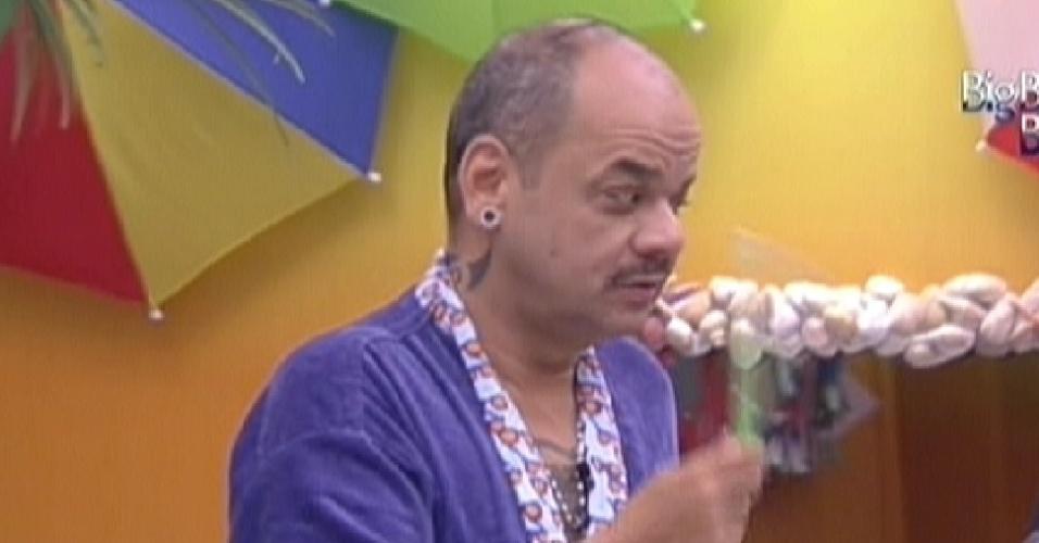 João Carvalho promete esclarecer história sobre brigadeiros (14/2/12)