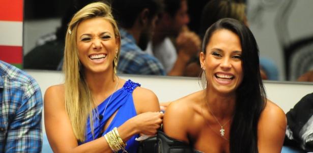 As amigas Fabiana (esq.) e Kelly, que não se uniram para defender o quarto Praia