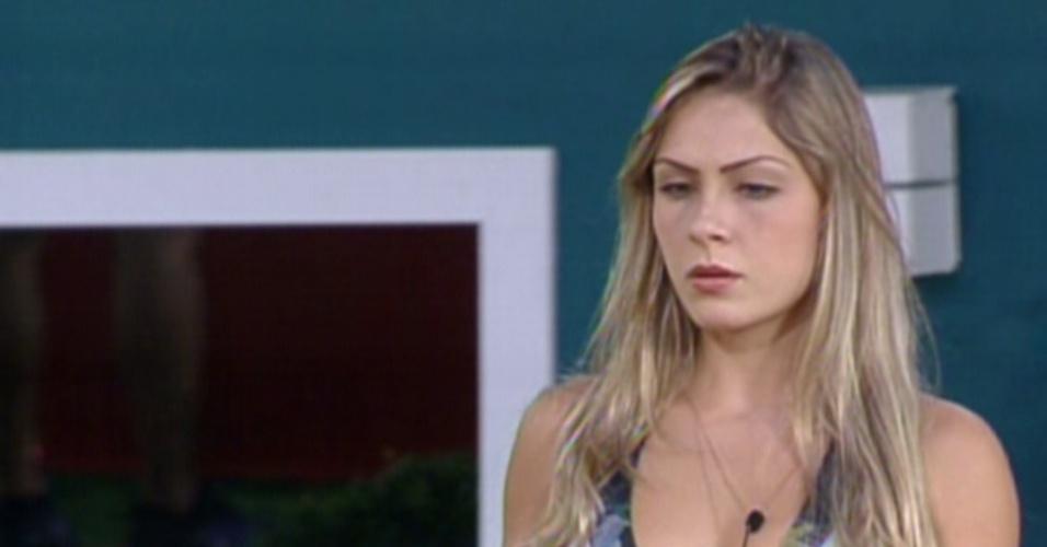 Segundo confronto: Renata e João Carvalho (16/2/12)