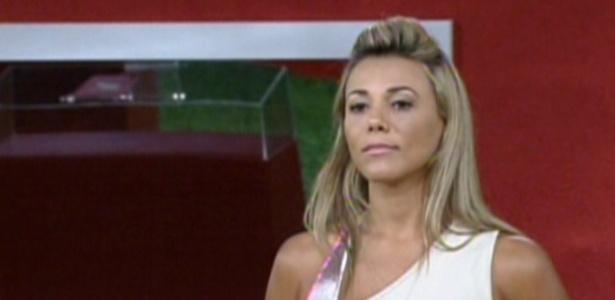 Fabiana durante disputa com Yuri na prova do líder (16/2/12)