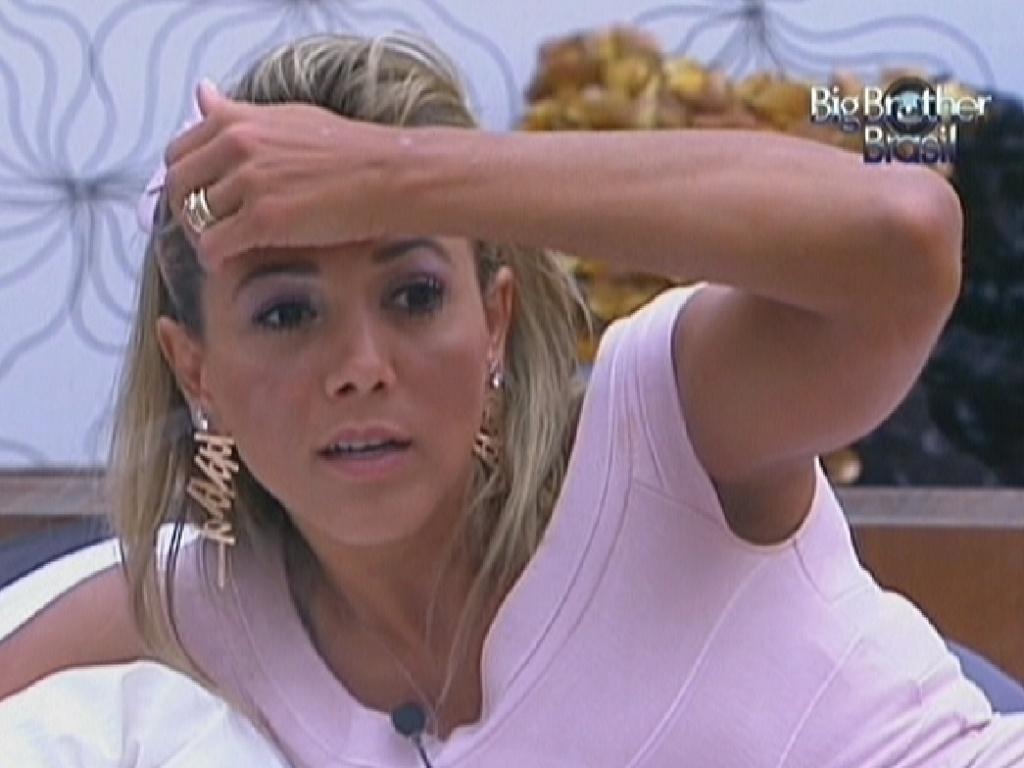Fabiana analisa postura de Rafa.